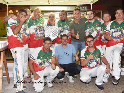 Squadra di Pizza Acrobatica al Completo con il Sindaco, Daniele Baglione